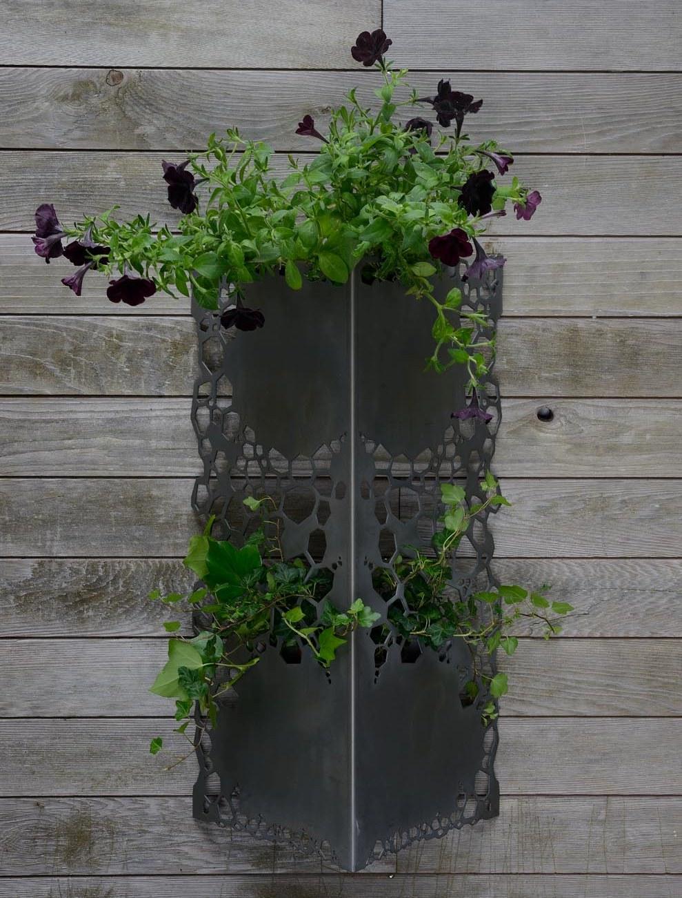 jardin suspendu blossomup. Black Bedroom Furniture Sets. Home Design Ideas